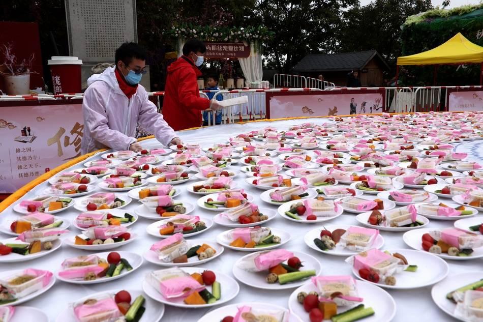 河南一5A景区连续四年推出无人值守一元午餐,收入不少反多