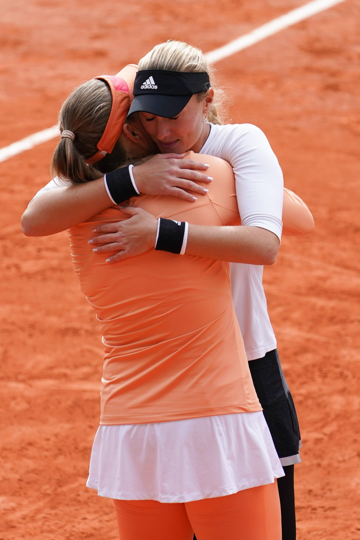 网球——法网:巴博斯/姆拉德诺维奇获得女双冠军