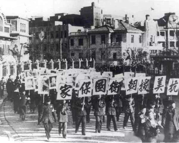 抗美援朝时常香玉赴朝演出长达半年,梅兰芳陈伯华演出感动战士