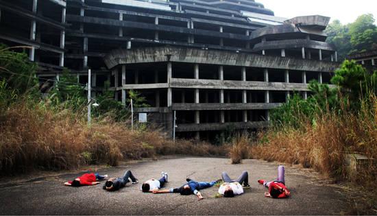 冰点检查:年轻人睡在鬼城
