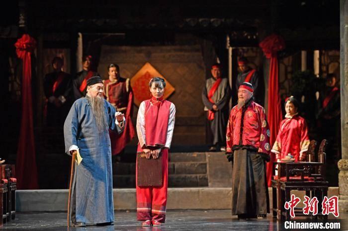 北京人艺《家》回归舞台 导演李六乙:经典让我们去发现自己