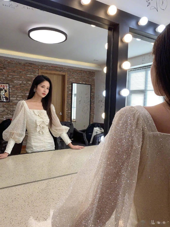 看了唐艺昕的复工vlog,女明星卸货就瘦的体质是真的?