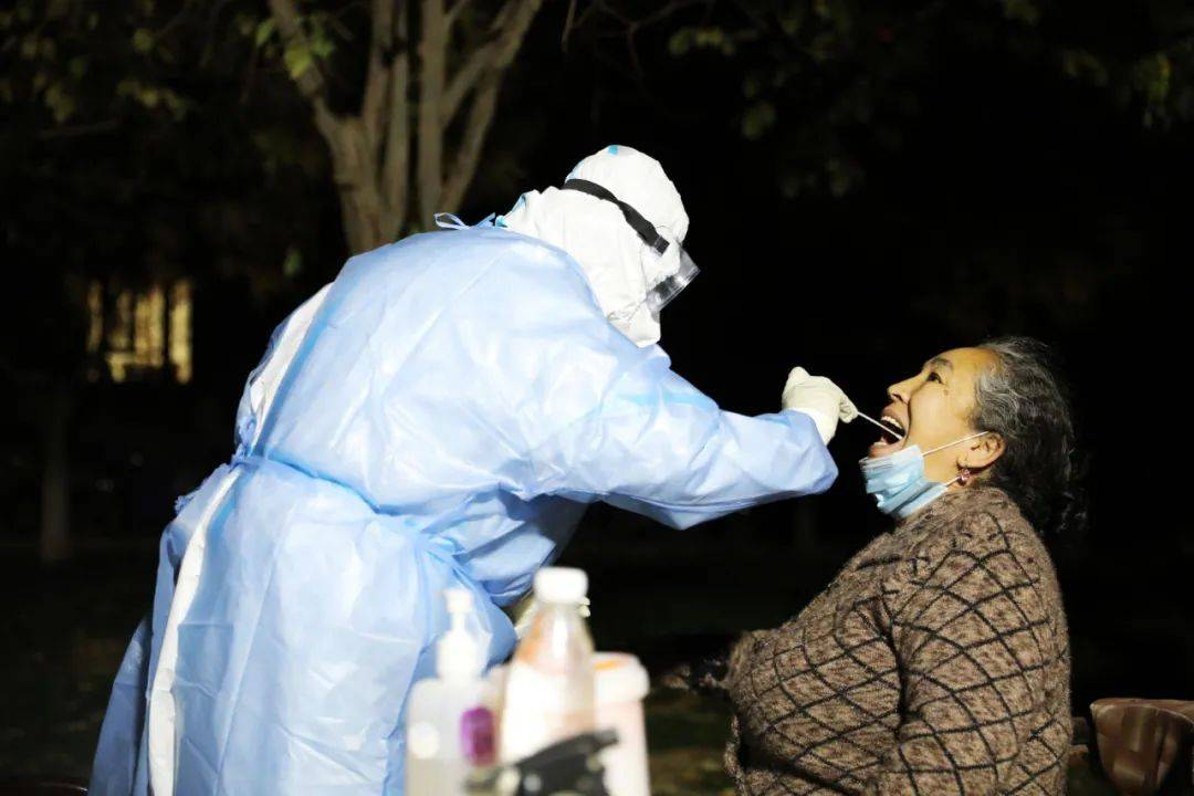 新疆喀什:核酸检测已采样超30万人