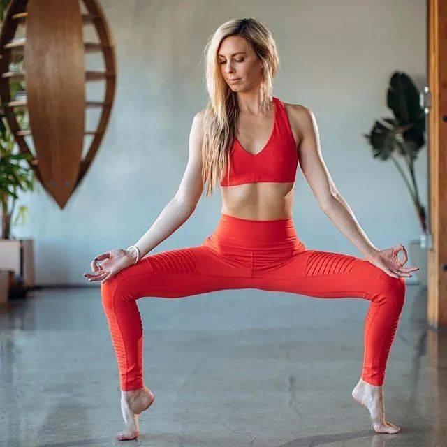 练瑜伽,所有的惊艳,都来自长久的准备_Phyllis