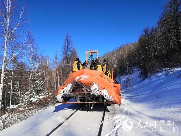 哈铁保障降雪天气旅客出行畅通
