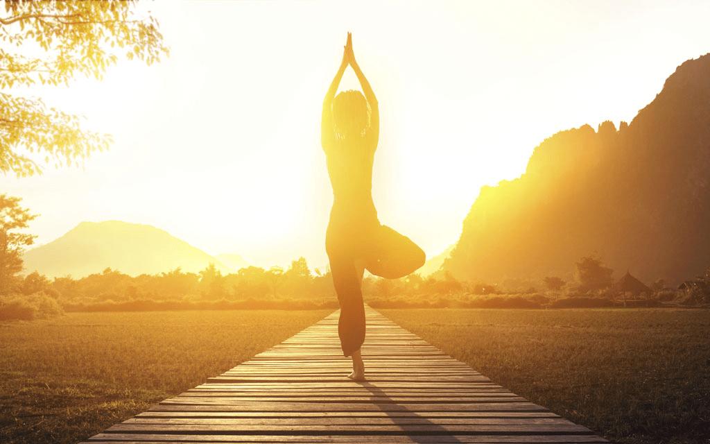 奥黛丽·赫本练了一辈子的瑜伽动作,隔了50年又火了!
