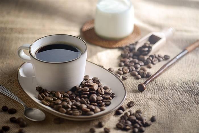 抢滩布局!麦当劳中国投资25亿卖咖啡,将送出1000万杯免费拿铁