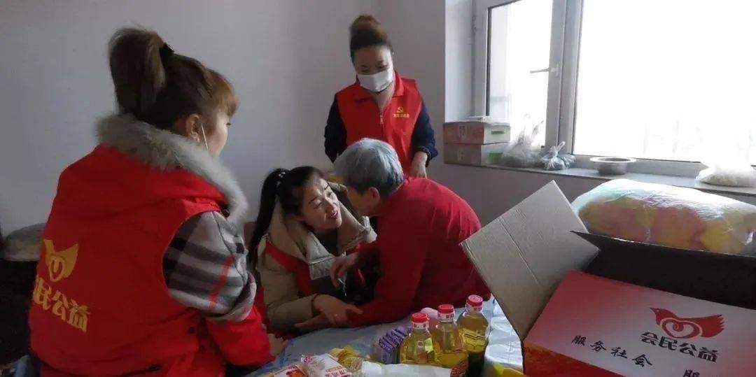 滴道区志愿者纪录片洗煤街组织志愿者向独居老人表达深深的温暖