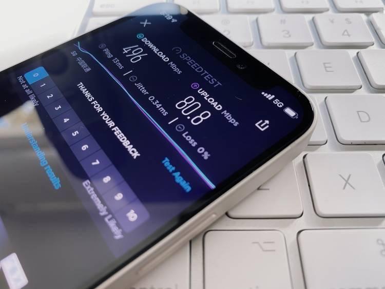 """最轻便5G手机"" iPhone 12 mini,真实5G体验却是灾难"