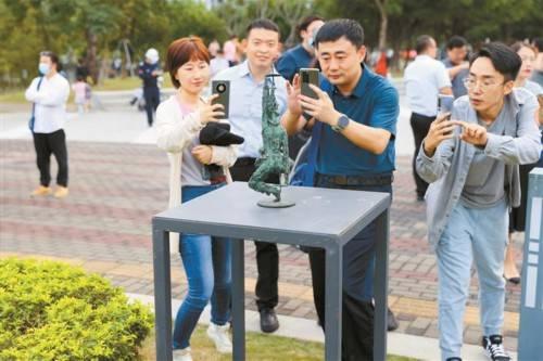 20个国家120余件雕塑作品亮相南科大校园