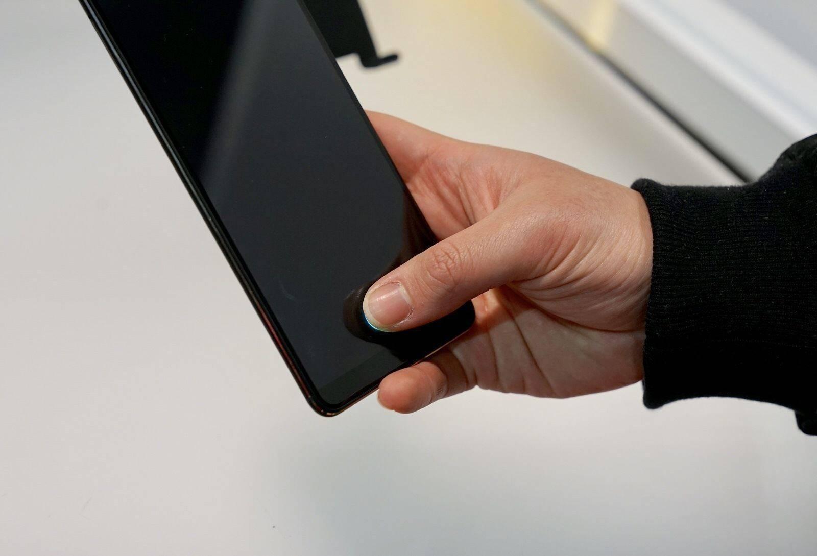 带口罩的你,还能等到 iPhone 的屏下指纹吗?