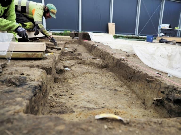 挪威惊现维京海盗船千年墓穴,谁被埋葬?考古学家挖掘待揭秘