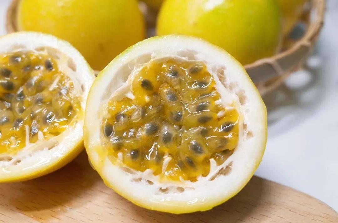 ◑ 惊了!!这些水果煮着吃,比直接吃好吃 100 倍!!!