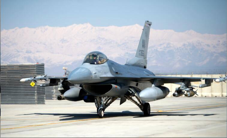 美国空军一架F