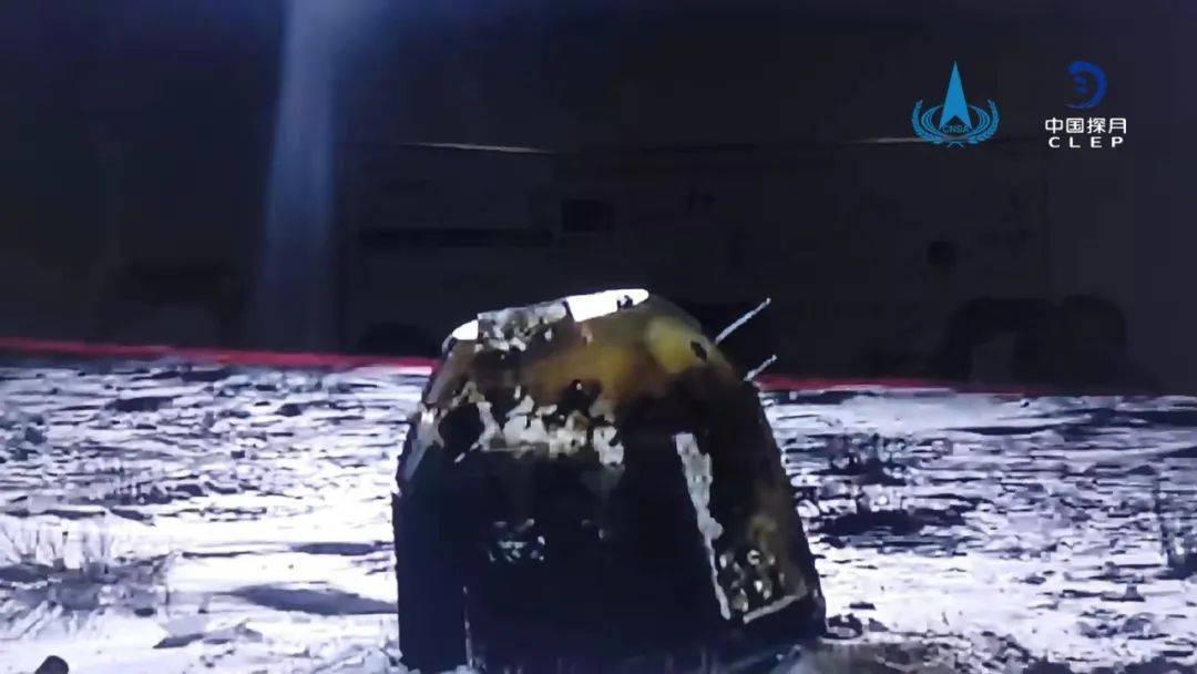 """刚从月亮上""""挖土""""归来的嫦娥五号,让这帮孩子玩坏了..."""