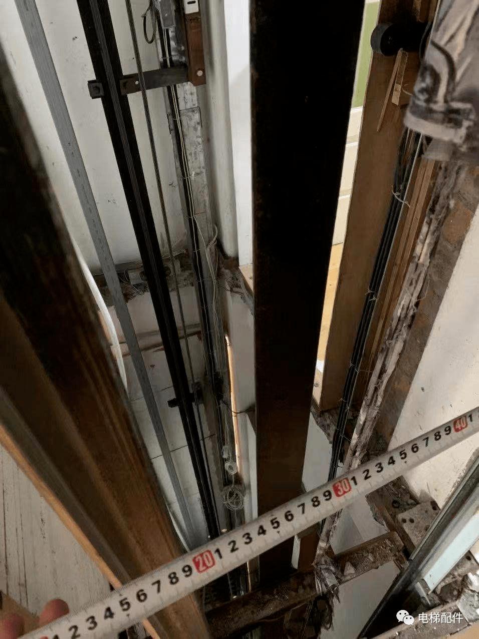 电梯机房排气扇安装图