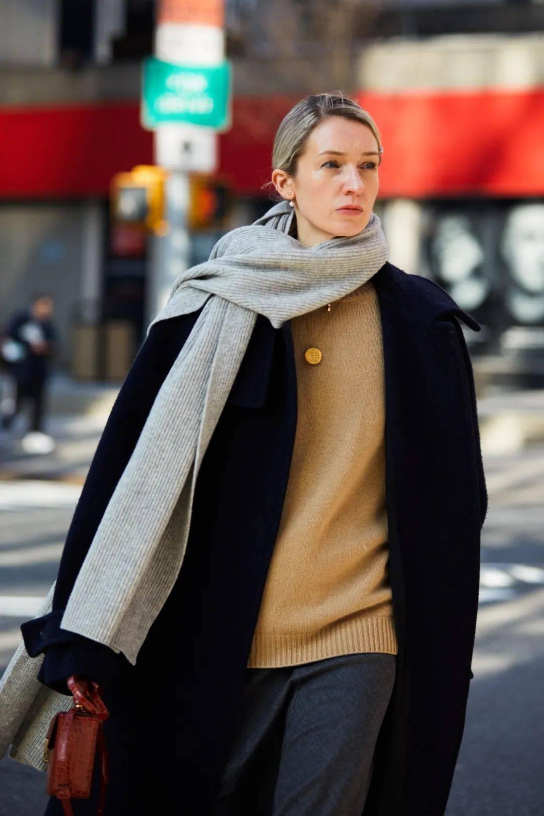 如果你想在冬天既时尚又保暖,那就只能靠这个单品了。