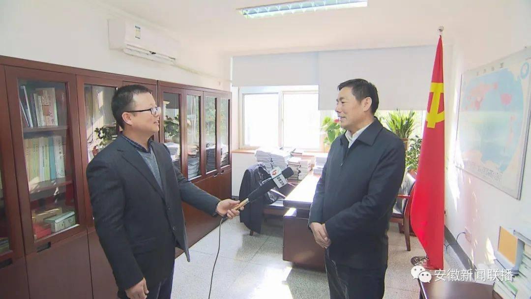 """更好发挥""""三农""""压舱石作用——本台记者专访省农业农村厅厅长卢仕仁"""