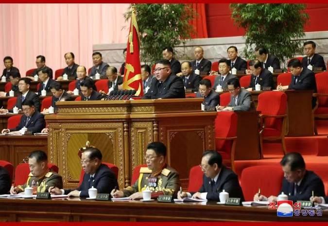 朝鲜劳动党第八次代表大会开幕,金正恩做工作总结报告