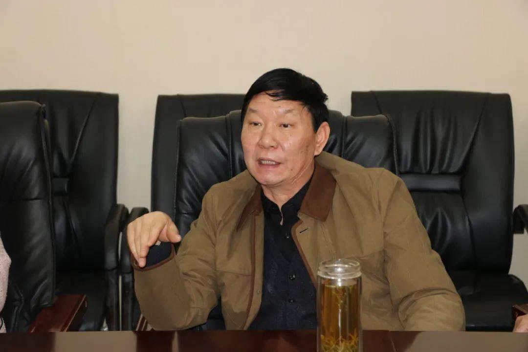开封市机关事务中心召开殷勇同志退休座谈会