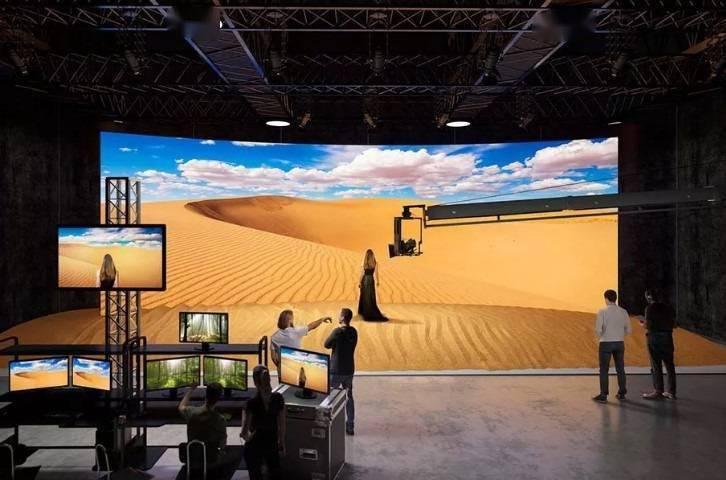 索尼宣布将开售新系列模块化显示器,可用来制作电影布景
