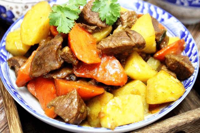 牛肉与土豆是绝配,做法简单易上手,回味无穷干吃不腻  第1张