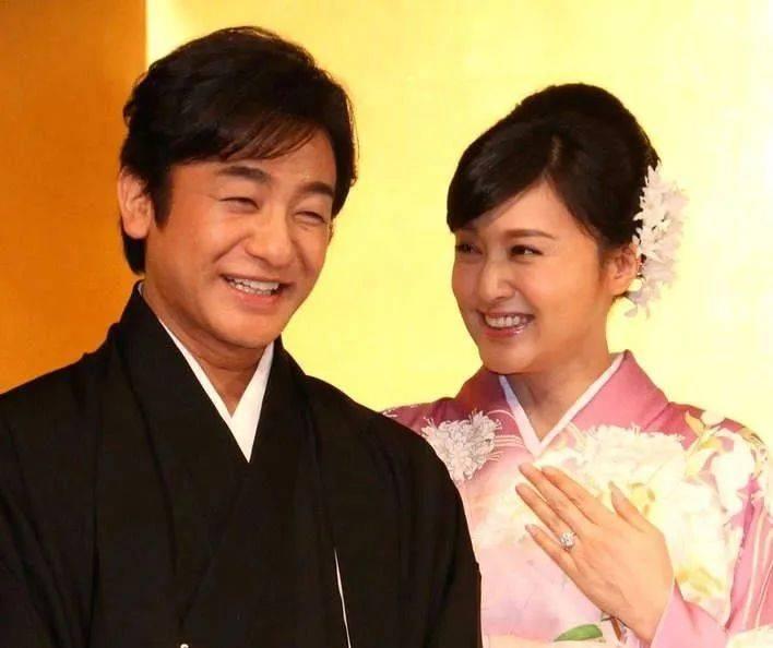 """日本""""梨园妻""""的异常:丈夫4年被拍到2次出轨,面对媒体,她却这样回答..."""