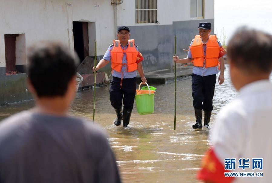守护平安的人民卫士——写在首个中国人民警察节到来之际