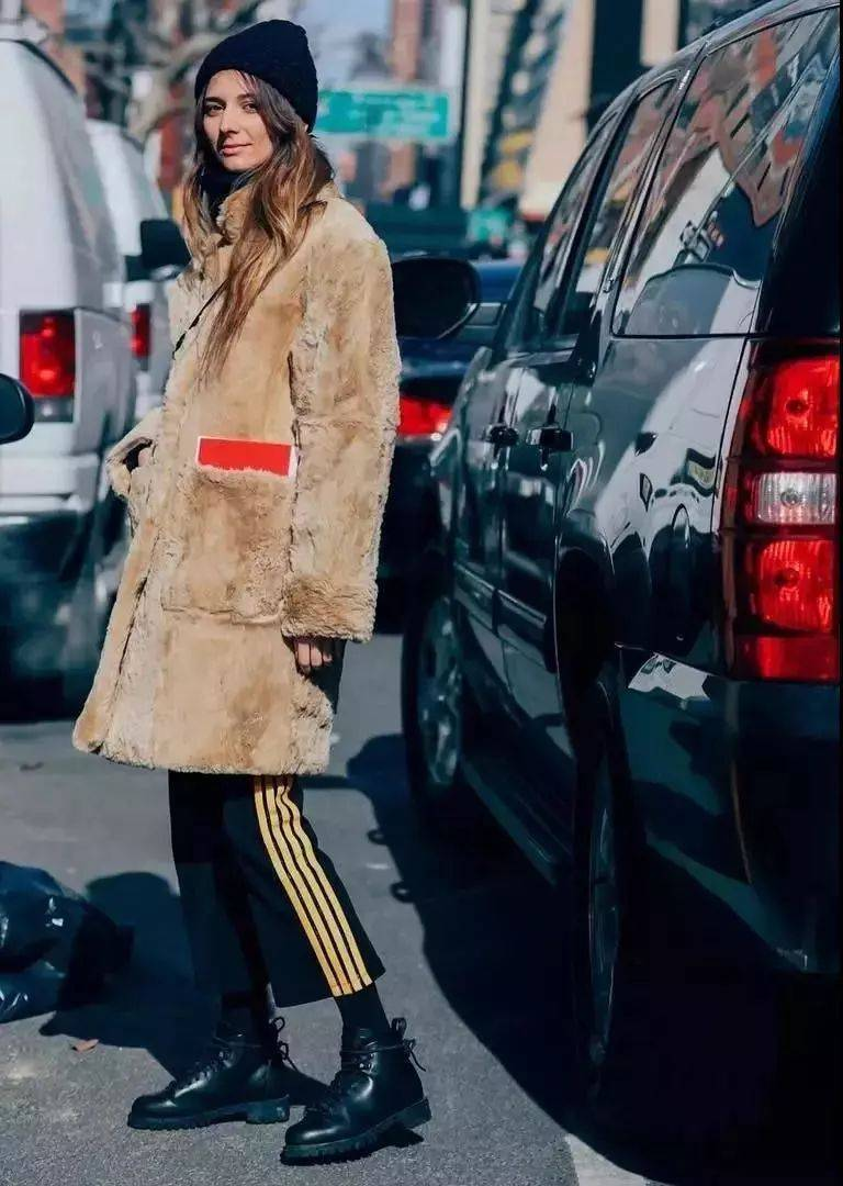 大衣+阔腿裤,永不过时的高级