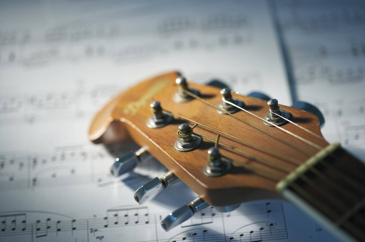 库克音乐上市首日涨超50%触发熔断,收盘价10.1美元