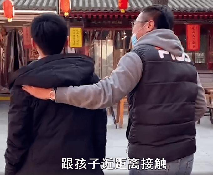 父亲辞职,开房车带14岁厌学儿子环游中国!目的地是云南丽江