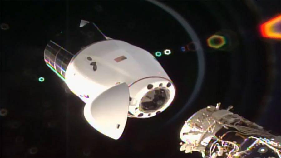 升级版货运龙飞船带近2吨物资回地球,此前在空间站停留月余