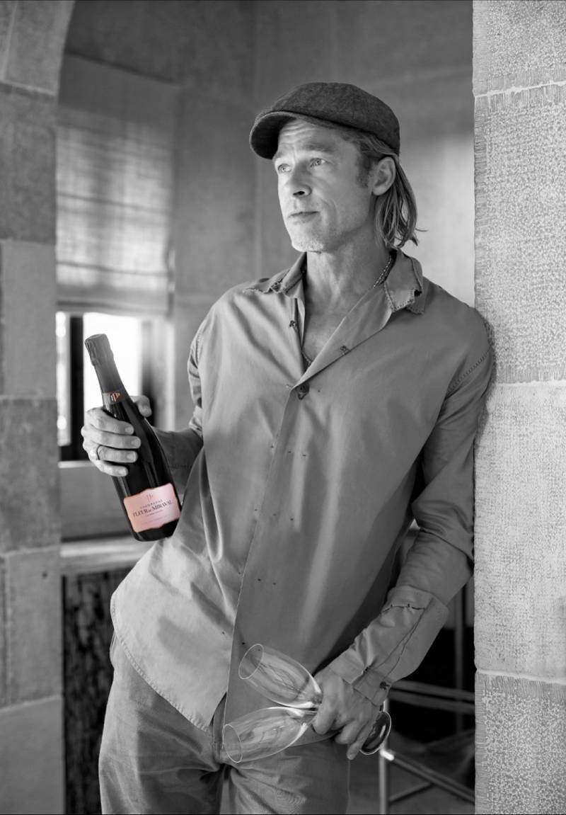 作为红酒专家的布拉德·皮特推出一款桃红香槟