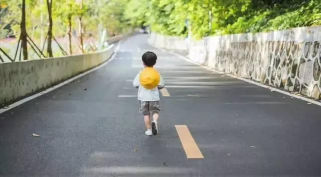 哈佛历时75年研究:孩子越长越丑,越长越笨,都是因为这4个坏习惯!