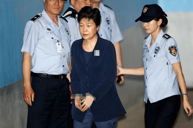 朴槿惠累计获刑22年 最晚87岁出狱 具体事件详情始末回顾