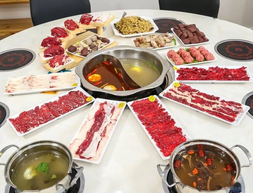 现点现切鲜牛肉 ▎上品牛肉潮汕火锅店【让你一口驱散冬日严寒】!