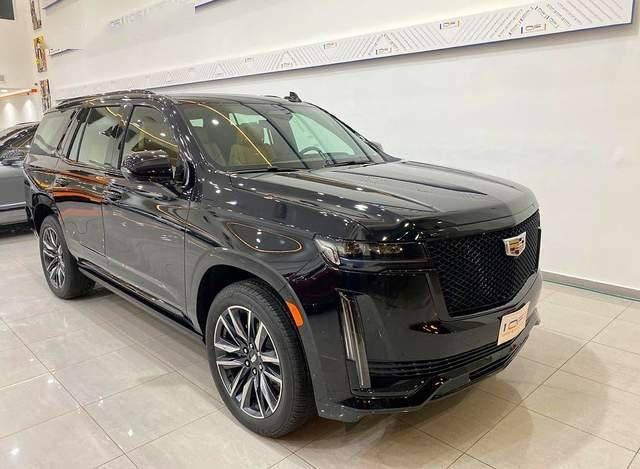凯迪拉克SUV肩把手!新一代Escalade实拍,6缸动力,四轮驱动