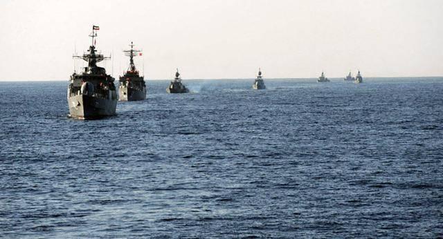 让美军下地狱!伊朗百艘导弹艇加入舰队,海军司令撂下狠话