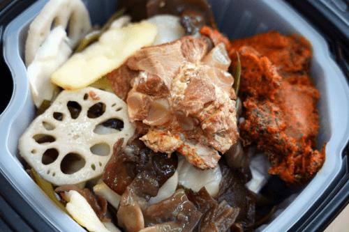 唐人吃面牌豪华自热小火锅,让美味触手可及
