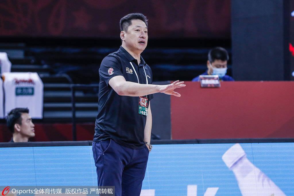 李春江:王治郅是非常称职的教练 八一的面貌正在改善