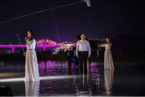 """重庆合川区长直播带货 探寻斯威特钢琴拿下当日""""最受欢迎品牌""""称号背后的秘密"""