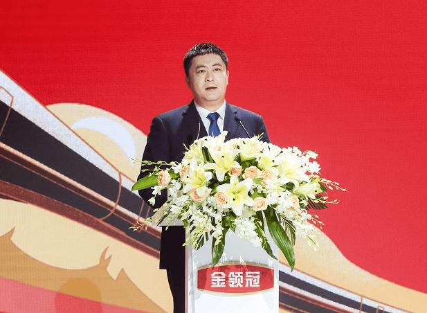 伊利金领冠系列产品傲世升级 开启中国配方奶粉乳源营养新纪元