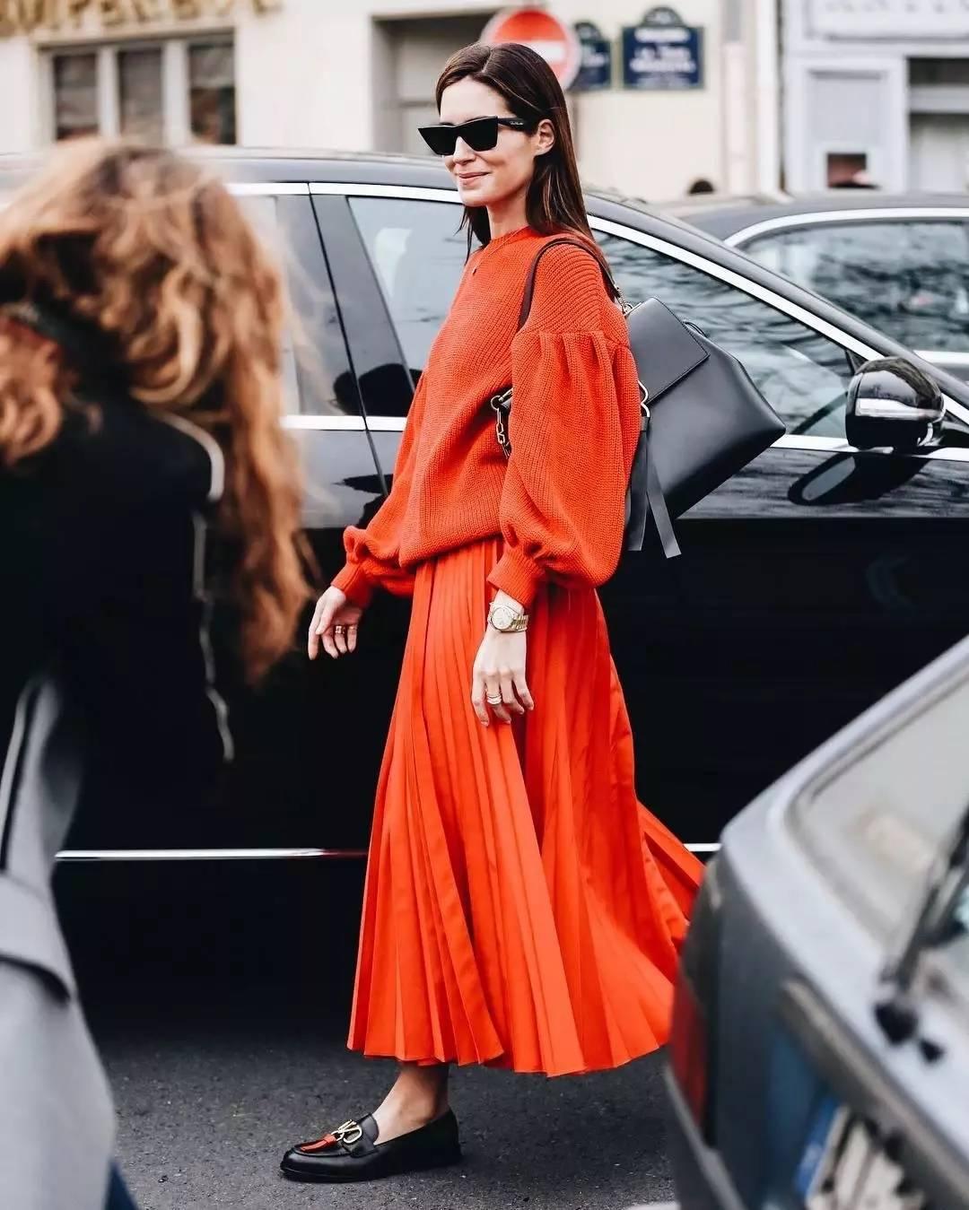 大毛衣+半裙 2020的气质通勤装就靠它了! 时尚家庭 第8张