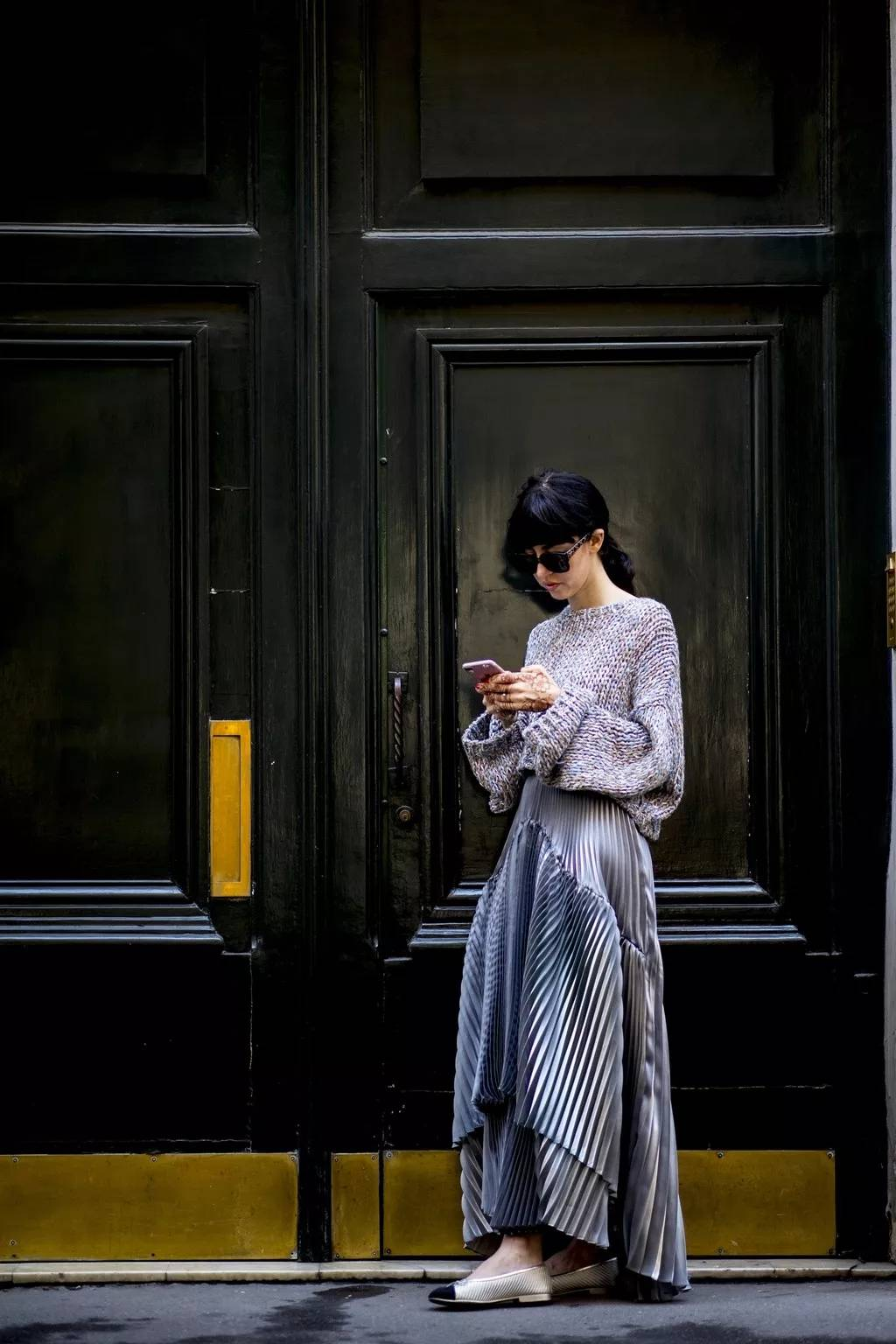 大毛衣+半裙 2020的气质通勤装就靠它了! 时尚家庭 第6张