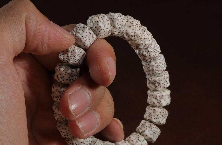 手串不显眼?试试这些串,陨石坑纹、几何形手串,过瘾!