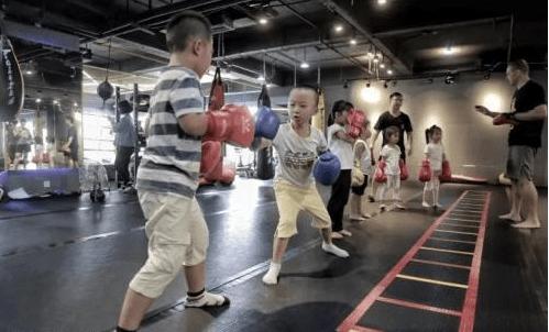 学拳击的最佳年龄(千万别让孩子学拳击)