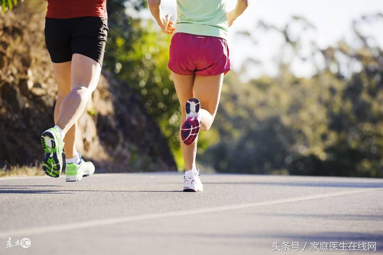 夜跑对身体有害吗(跑步最容易瘦哪里)插图(2)