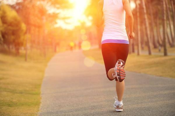 几点跑步最好(每天早晨跑步能减肥吗)