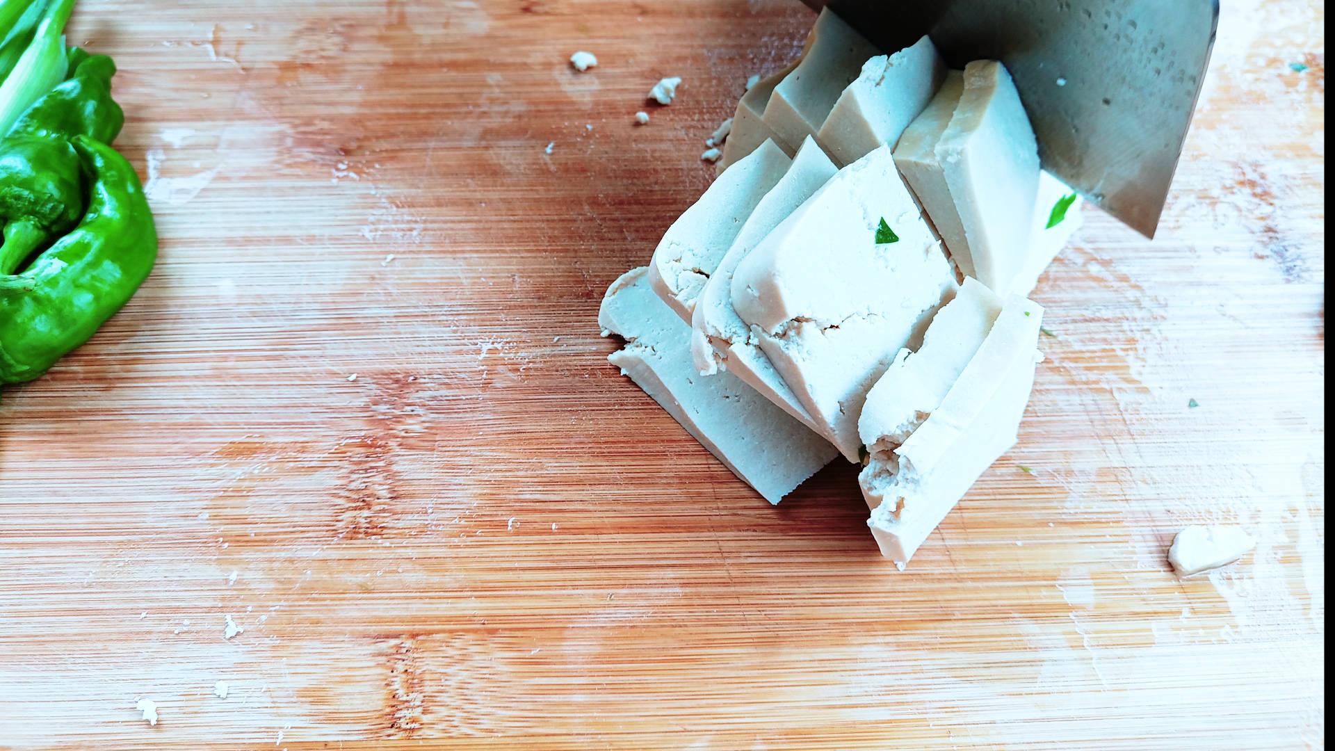 4个菜两荤两素,3碗米饭,今天在小桃园里吃一顿属于自己的一餐