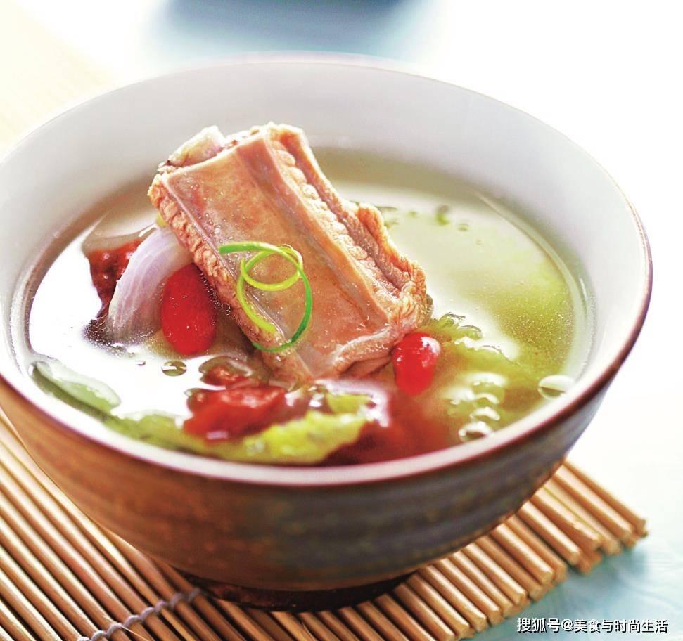适合懒人的原菜,既可以当菜,也可以当汤。清爽可口,和米饭一起吃还不够